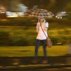 Afbeelding gebaseerd op Rain Girl van Greyframe (licentie: CC BY-NC-SA 2.0). Thanks Greyframe. Nice photo!