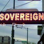 Afbeelding gebaseerd op sovereign van Tracy Seneca (licentie: CC BY-NC-SA 2.0)