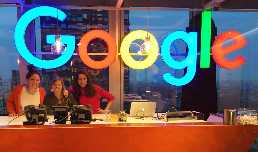 Drie presentatoren van Dag6 in het Google kantoor